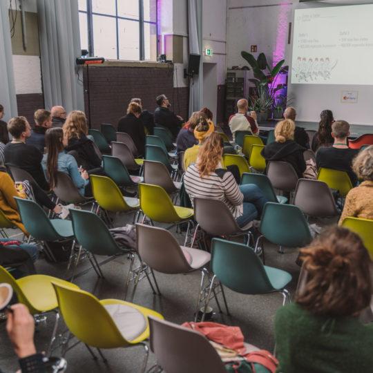 https://www.netzkulturfestival.de/wp-content/uploads/2019/10/2019-10-19-Netzkulturfestival-Freiburg-Photo-by-Fionn-Grosse-12h-12min-15s-905595-540x540.jpg